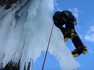"Wilki pulling onto the icicle of ""The Devils Appendix"" VI 6."