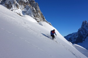 Finn McCann skiing down to the Mer de Glace.