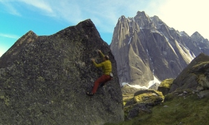 Wilki bouldering in the Cirque of the Unclimbables