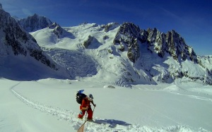 Muzz Skinning in the Vallee Blanche