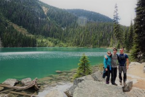 Niall and Rach join us for a hike up Joffre Lakes